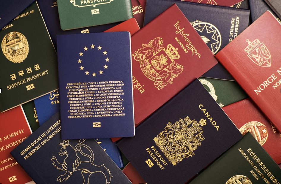 ¿Cuáles son los trámites y contratos que debes hacer cuando te mudas en España?